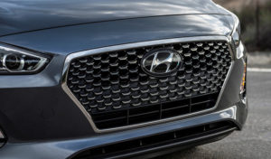 Hyundai-Elantra-GT-2018-Teaser_horizontal_lancio_sezione_grande_doppio